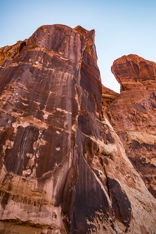 Rock formations near Chesler Park, The Needles District, Canyonlands National Park, Utah, USA.