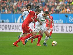 31.10.2015, WWK Arena, Augsburg, GER, 1. FBL, FC Augsburg vs 1. FSV Mainz 05, 11. Runde, im Bild Zweikampf zwischen v.l. Stefan Bell #16 (FSV Mainz 05) und Tim Matavz #23 (FC Augsburg) // during the German Bundesliga 11th round match between FC Augsburg and 1. FSV Mainz 05 at the WWK Arena in Augsburg, Germany on 2015/10/31. EXPA Pictures © 2015, PhotoCredit: EXPA/ Eibner-Pressefoto/ Hiermayer<br /> <br /> *****ATTENTION - OUT of GER*****