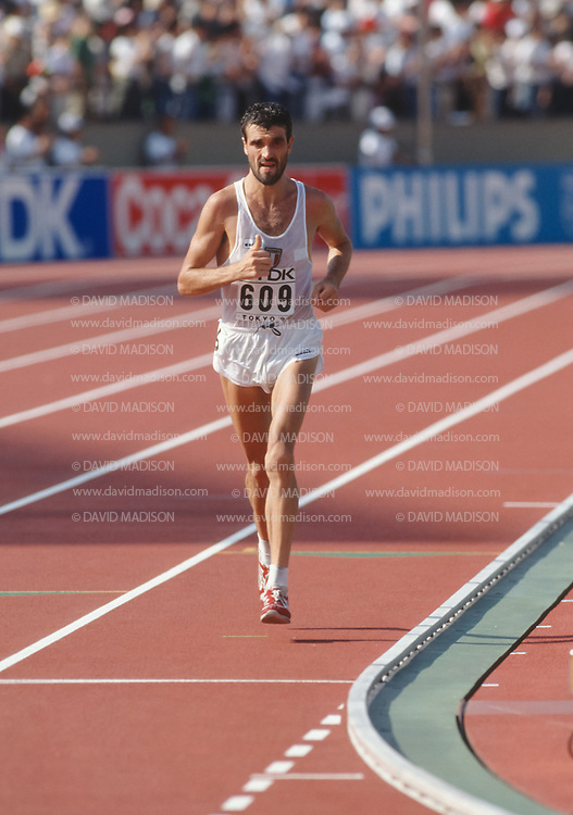 TOKYO - SEPTEMBER 1:  Gelindo Bordin #609 of Italy competes in the Men's marathon event of the 1991 IAAF World Championships held on September 1, 1991 in the Olympic Stadium in Tokyo, Japan.   (Photo by David Madison/Getty Images)