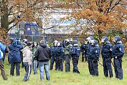08.11.2010, Castortransport 2010, Dannenberg, GER, Die Polizei bewacht den Castor am Verladebahnhof, EXPA Pictures © 2010, PhotoCredit: EXPA/ nph/  Kohring+++++ ATTENTION - OUT OF GER +++++