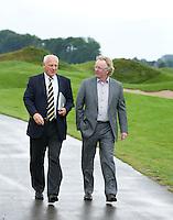 SPIJK - Wim van 't Hoff en Ton Burgers voor NGF GolfMarkt op The Dutch. FOTO KOEN SUYK