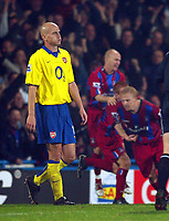 Fotball<br /> Premier League 2004/2005<br /> 06.11.2004<br /> Foto: BPI/Digitalsport<br /> NORWAY ONLY<br /> <br /> Crystal Palace v Arsenal<br /> <br /> A dejected Pascal Cygan as Crystal Palace celebrate the equaliser