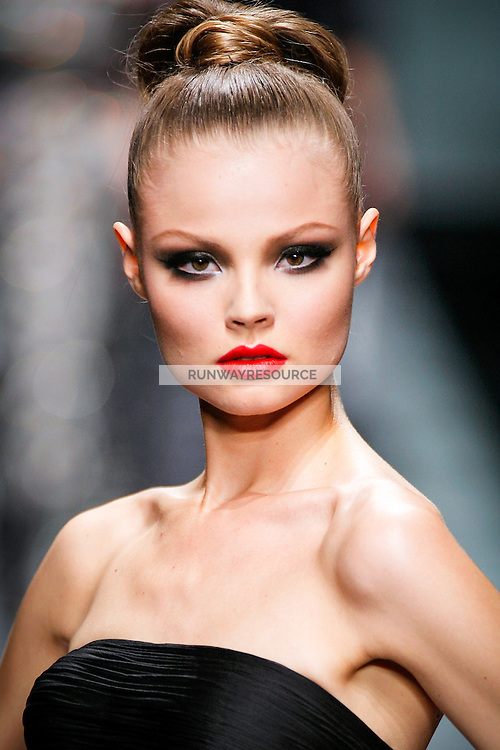 Magdalena Frackowiak wearing Valentino - Fall 2007 Couture