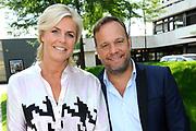 RTL Najaarspresentatie 2014 - Aankomst gasten bij Studio 21 in Hilversum.<br /> <br /> op de foto:  Irene Moors met Carlo Boszhard