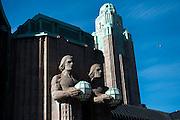 Helsinki Central Railway Terminus by architect Eero Saarinen . 1919