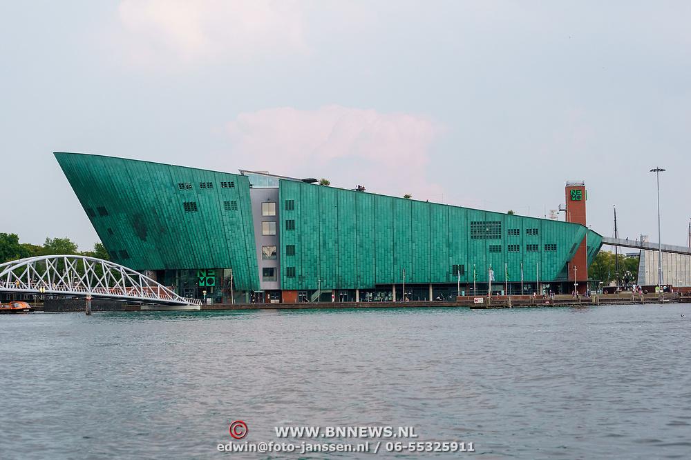 NLD/Amsterdam/20180628 - Rondvaart Amsterdam, Nemo