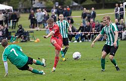 Valdemar Holze (FC Helsingør) afslutter under kampen i Sydbank Pokalen, 1. runde, mellem Bispebjerg Boldklub og FC Helsingør den 2. september 2020 i Lersø Parken (Foto: Claus Birch).