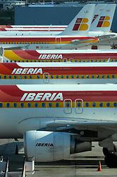 19.04.2010, Flughafen Barajas, Madrid, ESP, Flughafen Madrid Barajas im Bild Flugzeuge der Iberia Airlines stehen am Boden, Auch in Spanien kommte es durch den Vulkanausbruch in Island zu grossen Verzögerungen, EXPA Pictures © 2010, PhotoCredit: EXPA/ Alterphotos/ ALFAQUI/ R. Perez / SPORTIDA PHOTO AGENCY