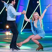 NLD/Hilversum/20130101 - 1e Liveshow Sterren dansen op het IJs 2013, Mimoun Ouled Radi en schaatspartner Kellyn Koeplinger