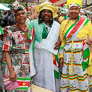 NLD/Amsterdam/20130701 - Keti Koti Ontbijt 2013 op het Leidse Plein, Surinaamse dames in klederdracht