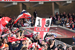 September 22, 2017 - Lille, France - ILLUSTRATION - SUPPORTERS - DRAPEAUX (Credit Image: © Panoramic via ZUMA Press)