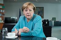 23 AUG 2017, BERLIN/GERMANY:<br /> Angela Merkel, CDU, Bundeskanzlerin, waehrend einem Interview, in Ihrem Buero, Bundeskanzleramt<br /> IMAGE: 20170823-02-006<br /> KEYWORDS: Büro
