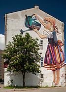 """Białystok. Mural """"Dziewczynka z konewką"""""""