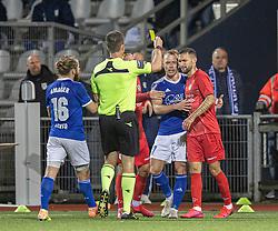 David Boysen (FC Helsingør) får en advarsel af dommer Kasper Madsen under kampen i 1. Division mellem Fremad Amager og FC Helsingør den 21. oktober 2020 i Sundby Idrætspark (Foto: Claus Birch).