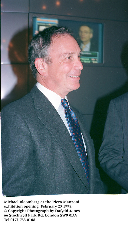 Michael Bloomberg at the Piero Manzoni exhibition opening. February 25 1998.<br />© Copyright Photograph by Dafydd Jones<br />66 Stockwell Park Rd. London SW9 0DA<br />Tel 0171 733 0108