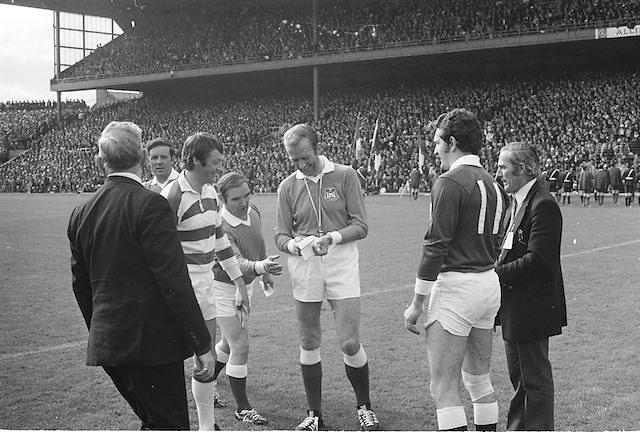 Referee tosses a coin before the start of the All Ireland Senior Gaelic Football Championship Final Cork v Galway in Croke Park on the 23rd September 1973. Cork 3-17 Galway 2-13.
