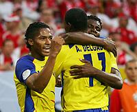 Fotball<br /> VM 2006<br /> 09.06.2006<br /> Ecuador v Polen 2-0<br /> Foto: Witters/Digitalsport<br /> NORWAY ONLY<br /> <br /> Jubel 0:1 v.l. Luis Valencia, Augustin Delgado, Carlos Tenorio Ecuador<br /> Fussball WM 2006 Polen - Ecuador