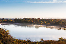 Pictured: Early morning mist on Duddingston Loch on a cold morning in Edinburgh<br /> <br /> <br /> Chris McCluskie   EEm 8 November 2017