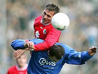 Fotball, 19. februar 2005, v.l. Daniel SCHUMANN , Vratislav LOKVENC Bochum<br /> Bundesliga VfL Bochum - SC Freiburg