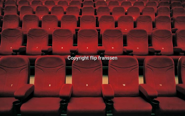 Nederland, Nijmegen, 1-7-2020  Bioscoopzaal bij de megabioscoop in Nijmegen noord, Lent .Deze filmvoorstelling telt 16 bezoekers, die op de bovendste rijen zitten . Foto: ANP/ Hollandse Hoogte/ Flip Franssen