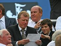 Photo: Andrew Unwin.<br /> Newcastle United v Villarreal. Pre Season Friendly. 05/08/2006.<br /> England's manager, Steve McLaren (L).