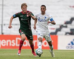 Søren Tengstedt (AaB) og Carlos Zeca (FC København) under kampen i 3F Superligaen mellem FC København og AaB den 17. juni 2020 i Telia Parken, København (Foto: Claus Birch).