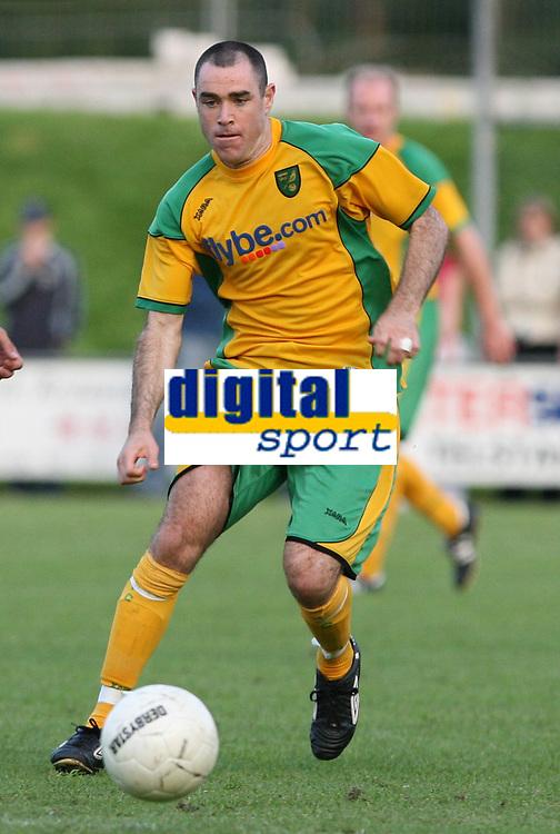 Photo: Maarten Straetemans.<br /> FC Zwolle v Norwich City. Pre Season Friendly. 25/07/2007.<br /> Andy Hughes (Norwich City)