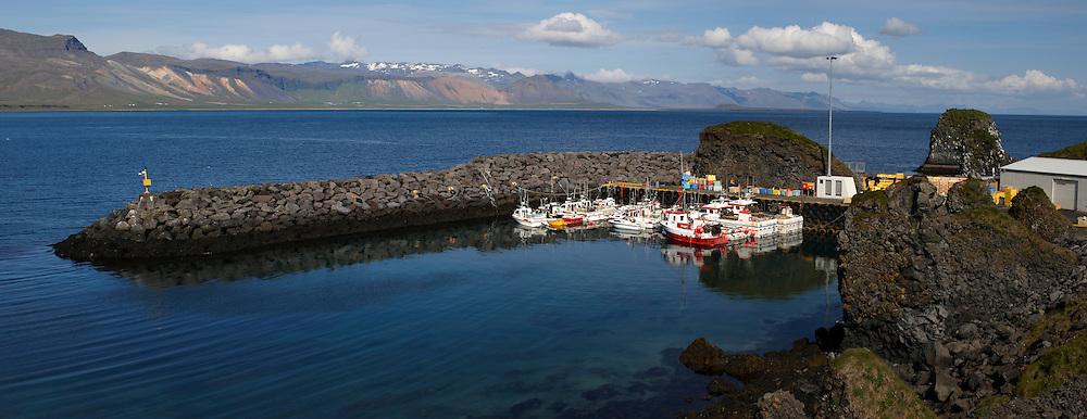Arnarstapi in Snaefellsnes, Iceland - Arnarstapi á Snæfellsnesi