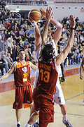 DESCRIZIONE : Roma Lega A 2011-12 Acea Roma Montepaschi Siena <br /> GIOCATORE : david andersen luigi datome<br /> CATEGORIA :  tiro difesa ultimo tiro<br /> SQUADRA :  Acea Roma Montepaschi Siena<br /> EVENTO : Campionato Lega A 2011-2012<br /> GARA :  Acea Roma Montepaschi Siena<br /> DATA : 26/02/2012<br /> SPORT : Pallacanestro<br /> AUTORE : Agenzia Ciamillo-Castoria/GiulioCiamillo<br /> Galleria : Lega Basket A 2011-2012 <br /> Fotonotizia :  Romna Lega A 2011-12 Acea Roma Montepaschi Siena<br /> Predefinita :