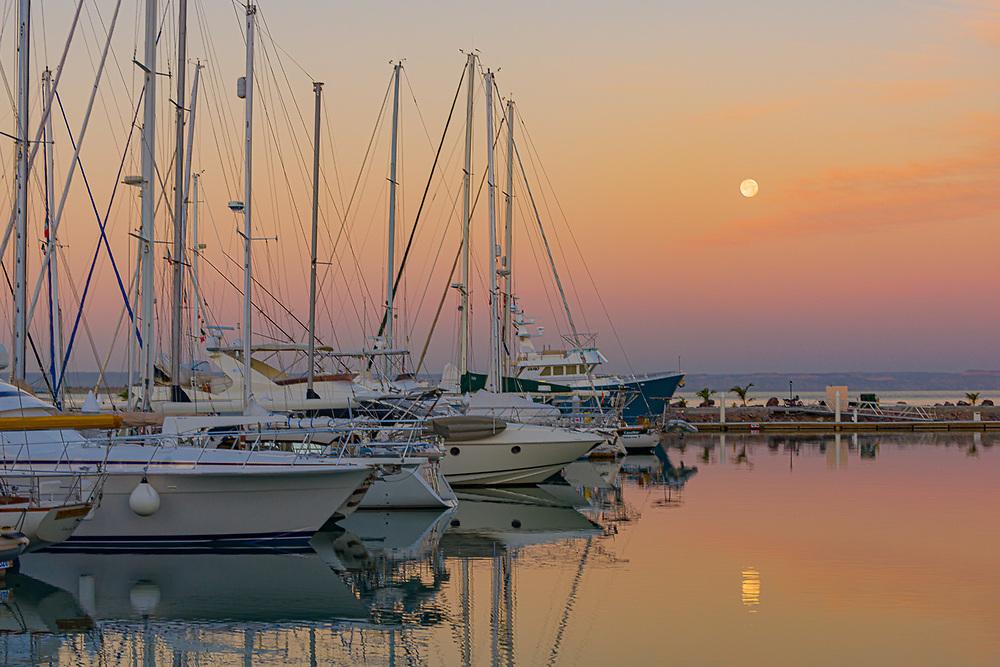 Marina Palmira moonset, February, La Paz, Baja, Mexico