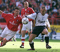 Fotball: Liverpool's Danny Murphy and Charlton's Mark Kinsella during the Premiership match at the Valley.