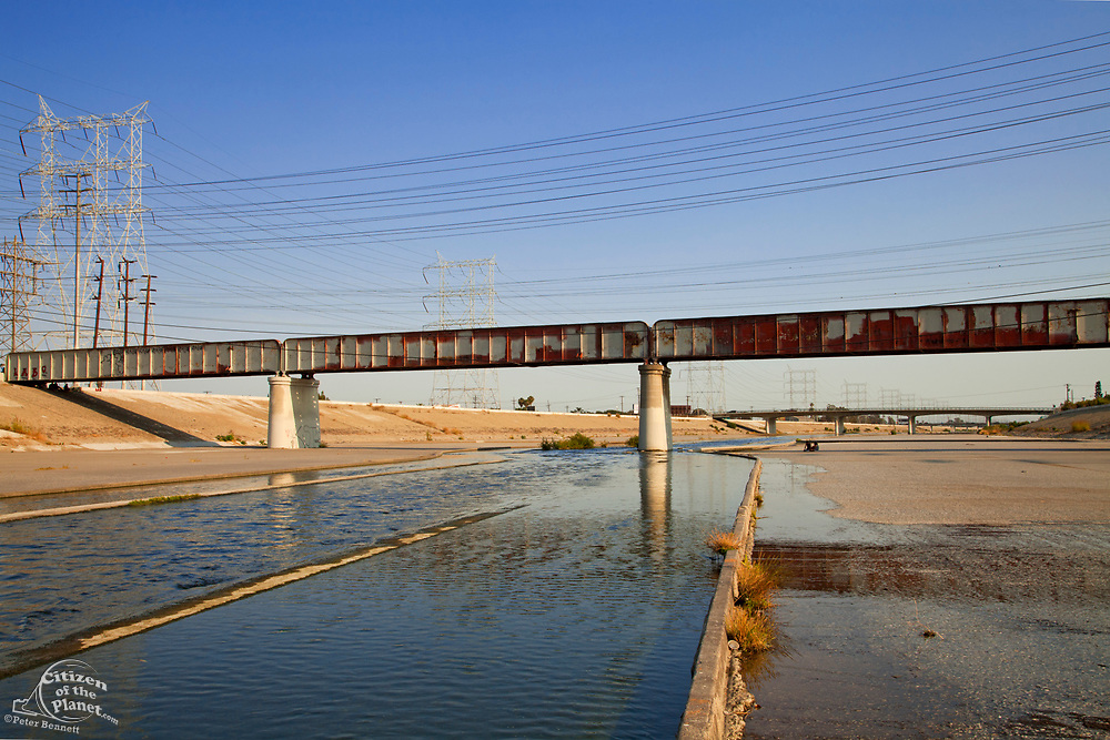Railroad Bridge over Los Angeles River, Bell, Los Angeles County, California, USA