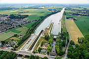 Nederland, Limburg, Gemeente Sittard-Geleen, 26-06-2014; Julianakanaal met Sluis Born.<br /> luchtfoto (toeslag op standaard tarieven);<br /> aerial photo (additional fee required);<br /> copyright foto/photo Siebe Swart.