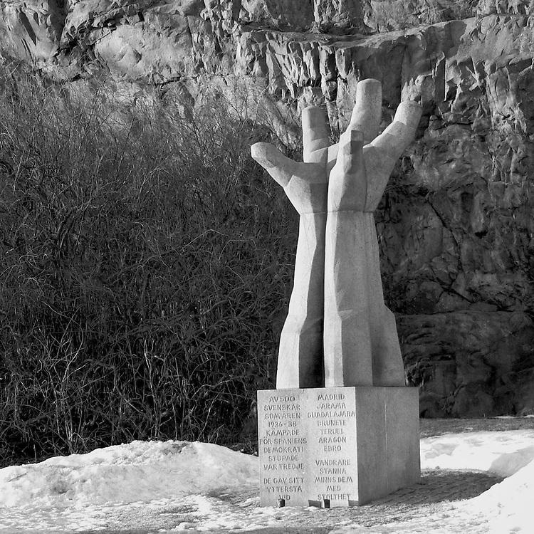 La Mano på Katarinavägen, till minne av de frivilliga som stupade i kampen mot fascismen i Spanien på 1930-talet.