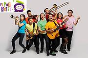 El grup de musica infantil El Pot Petit fe Girona fotografiat a l'estudi per la campanya de promoció dels deu anys de trajectoria.