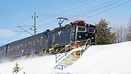 ÖSTERSUND 210223<br /> Tåget passerar Odensala så snön yr.<br /> <br /> Foto: Per Danielsson/Projekt P