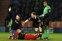 Fotball<br /> England 2004/2005<br /> Foto: SBI/Digitalsport<br /> NORWAY ONLY<br /> <br /> Leicester City v Crewe Alexandra<br /> Coca-Cola. 05/02/2005.<br /> <br /> A stretcher is called for Crewe's injured Kenny Lunt