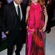 NLD/Amsterdam/20100412 - Premiere film de Gelukkige Huisvrouw, Marlies Dekkers en ..........