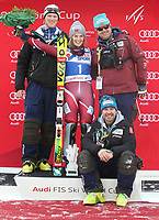 Alpint<br /> FIS World Cup<br /> Foto: Gepa/Digitalsport<br /> NORWAY ONLY<br /> <br /> SANTA CATERINA,ITALY,05.JAN.16 - ALPINE SKIING - ALPINE SKIING - FIS World Cup, Santa Caterina, slalom, ladies, award ceremony. Image shows Nina Løseth (NOR) with the team.