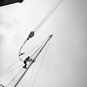 Dématage de l'IMOCA de ALAN ROURA Super Bigou pour la préparation du Vendée-globe 2016.Plus jeune skipper engagé sur un vendée globe