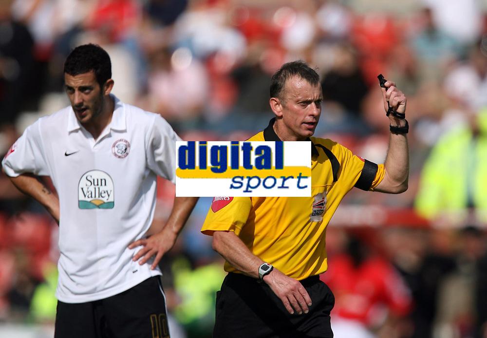 Photo: Rich Eaton.<br /> <br /> Wrexham v Hereford United. Coca Cola League 2. 24/09/2006. Referee Mr Joslin