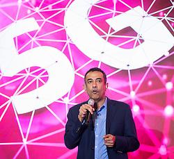 """26.03.2019, T-Center, Wien, AUT, T-Mobile, Pressekonferenz zum Thema""""5G-Pionier Österreich - T-Mobile startet 5G-Netz"""", im Bild Vorstandsmitglied der Deutschen Telekom Srini Gopalan // Member of the Board of Management Deutsche Telekom AG Srini Gopalan during an media briefing of the Austrian telecommunication company """"T-Mobile"""" which presents the start of the 5th generation of cellular mobile communications """"5G"""" in Austria in Vienna, Austria on 2019/03/26, EXPA Pictures © 2019, PhotoCredit: EXPA/ Michael Gruber"""