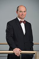19 NOV 2012, BERLIN/GERMANY:<br /> Hans-Ulrich Benra, Fachvorstand Beamtenpolitik und Stellv. Bundesvorsitzender, Deutscher Beamtenbund und Tarifunion, dbb<br /> IMAGE: 20121119-01-014