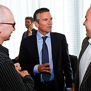 NLD/Den Haag/20100906 - Start Alfabetiseringsweek met installatie forum A tot Z, Huub van Doorne in gesprek met Paul van loon en Frans Bauer