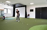 TEXEL - Indoor oefenen. Oefenruimte, puttinggreen. De Cocksdorp.  - Indoor, Golfbaan De Texelse. COPYRIGHT KOEN SUYK