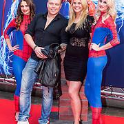 NLD/Amsterdam/20140422 - Premiere The Amazing Spiderman 2, Tony Wyczynski en partner Yildiz Siskens