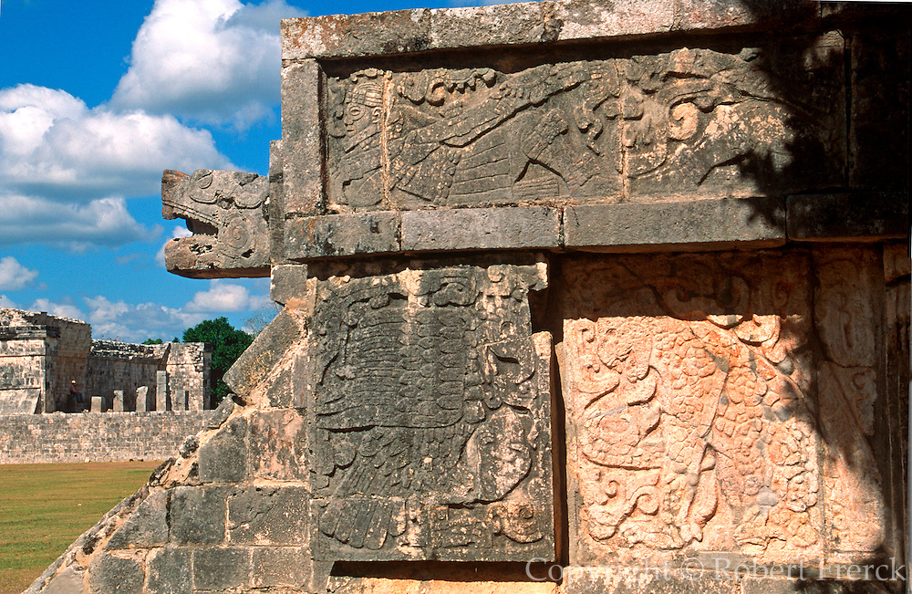 MEXICO, MAYAN, YUCATAN Chichén Itzá; Jaguars and Eagles Platform