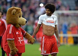 Football: Germany, 1. Bundesliga<br /> FC Bayern Muenchen<br /> Dante and mascot Berni<br /> © pixathlon