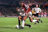 Thierry Henry (Arsenal) Pavel Novotny (Sparta Prague). AC Sparta Prague 0:1 Arsenal. UEFA Champions League, Prague, Czech Republic, 12/9/2000. Credit: Colorsport / Stuart MacFarlane.