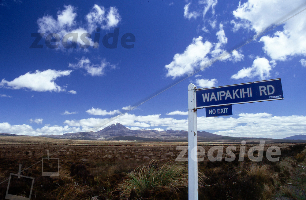 Waipakihi Road branches off the Desert Road in the central North Island with the Tongrariro plateau in the backdrop.